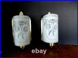 (2) Vintage MID Century Wall Light Fixtures Sconces Brass & Frosted Glass
