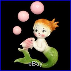 Colorful VINTAGE NORCREST MERMAID wall plaque hanging with 3 pink bubbles