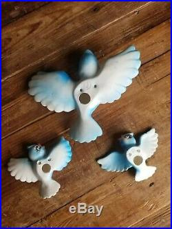 RARELefton bluebird Inspired set of 3 Mom and babies wall plaques. Vintage