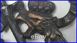 VINTAGE 1930s HERALDIC SHIELD COAT OF ARMS CAST IRON PLAQUE DOUBLE EAGLE LION