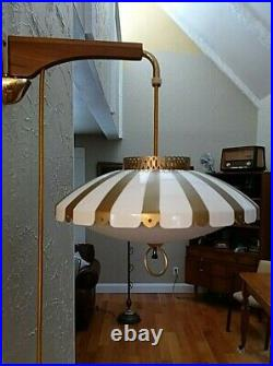 VTG MCM Saucer UFO Swing Arm Wall Light Sconce Counterweight Pull Down