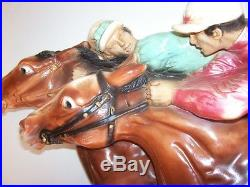Vintage 1966 HORSE RACE SCULPTURE Wall Hanging Plaque UNIVERSAL STATUARY Co 40