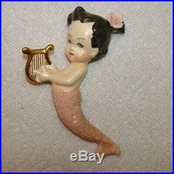 Vintage Mom & Baby Wall Plaque Hanging with shells, flowers and pearls